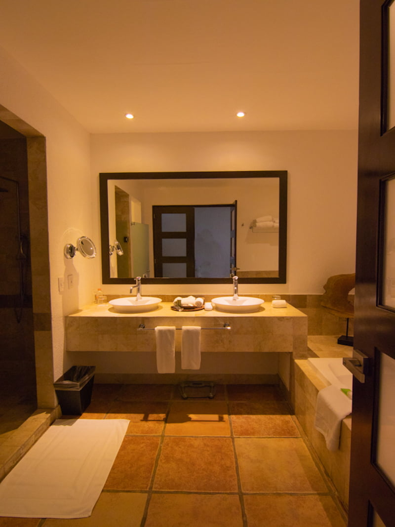 Hyatt ziva cabo king bathroom