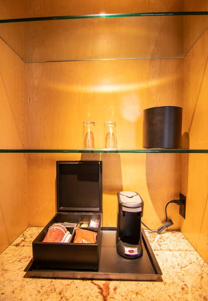 one-bedroom corner suite renaissance reno