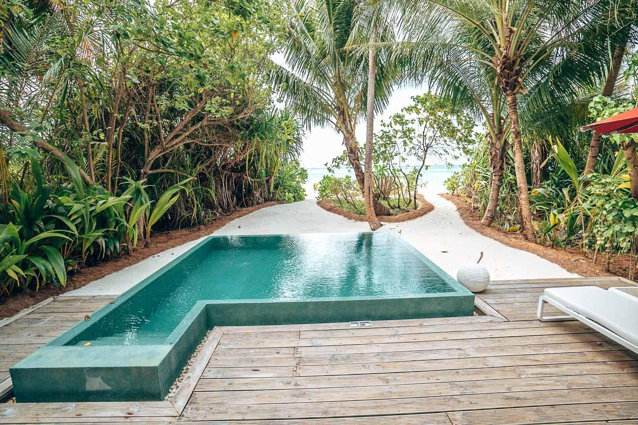 beach pool villa niyama maldives