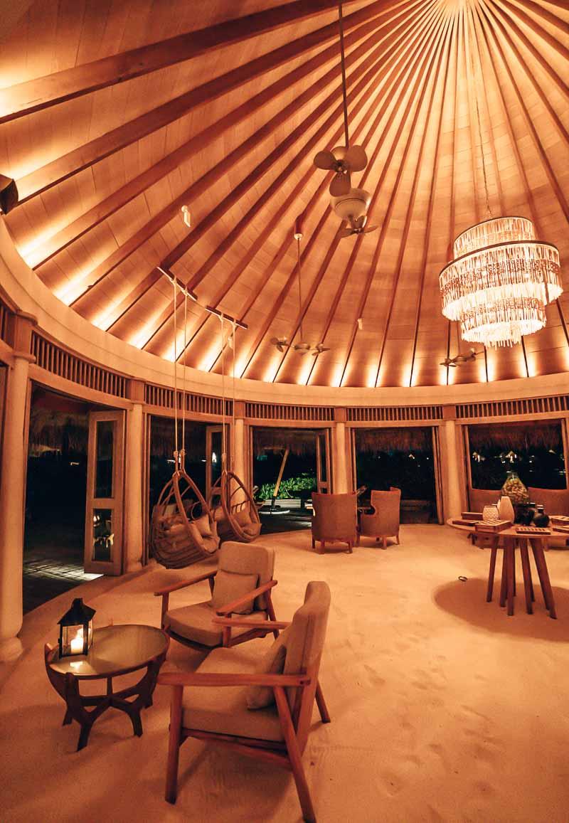 lounge milaidhoo maldives