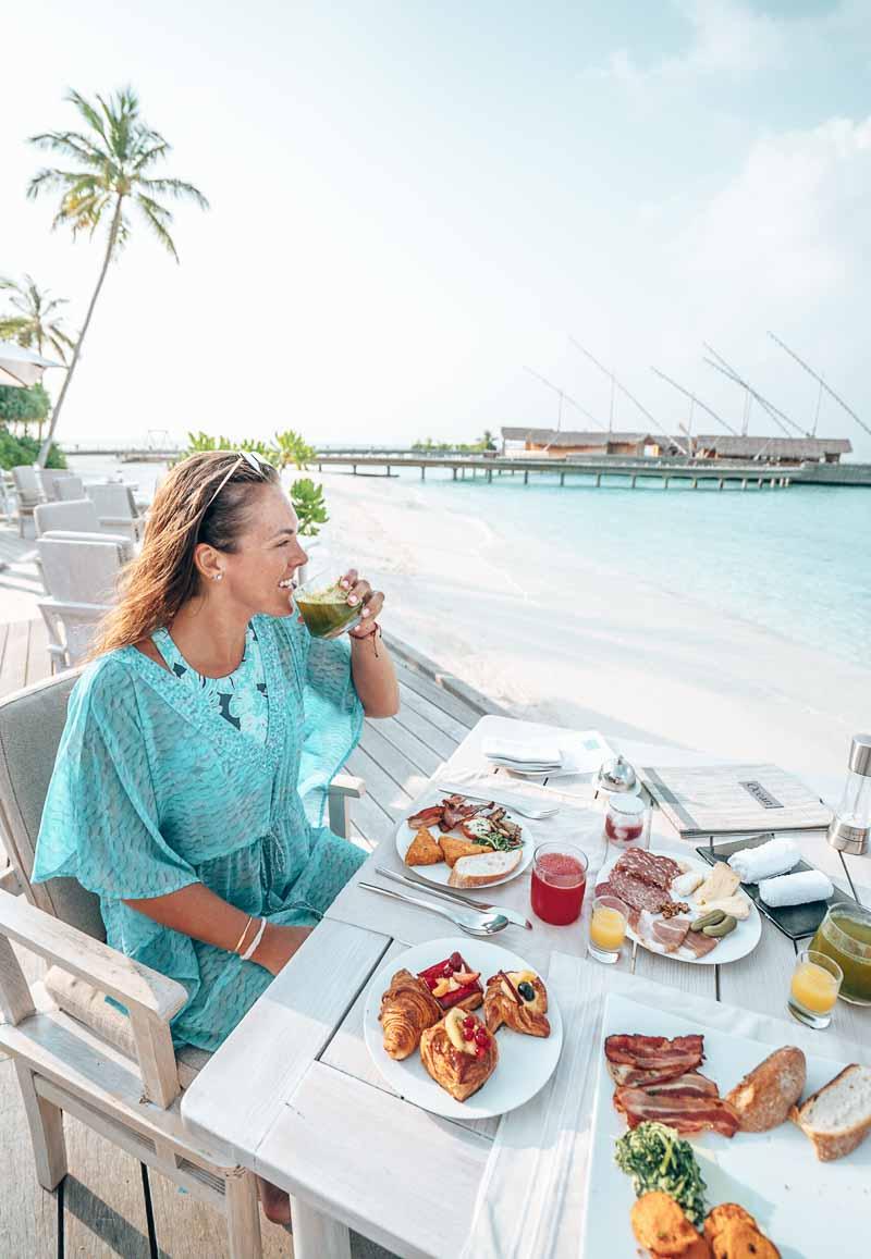 breakfast milaidhoo maldives