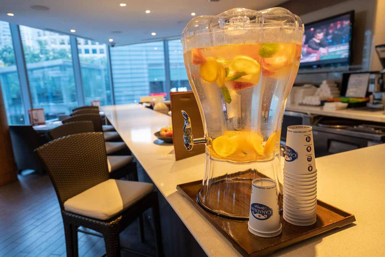 smoothie bar shangri-la vancouver