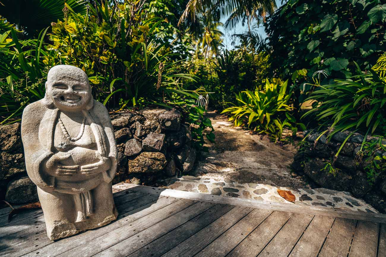walkway Yasawa Island Resort
