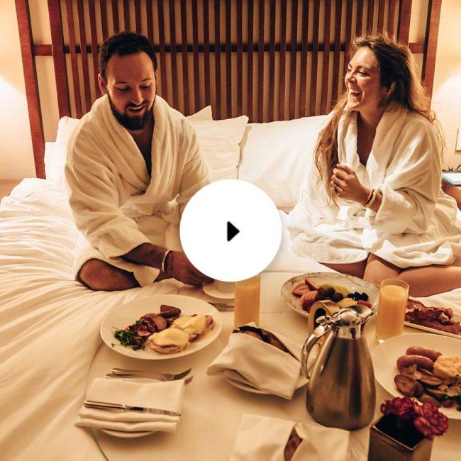 shangri-la breakfast in bed