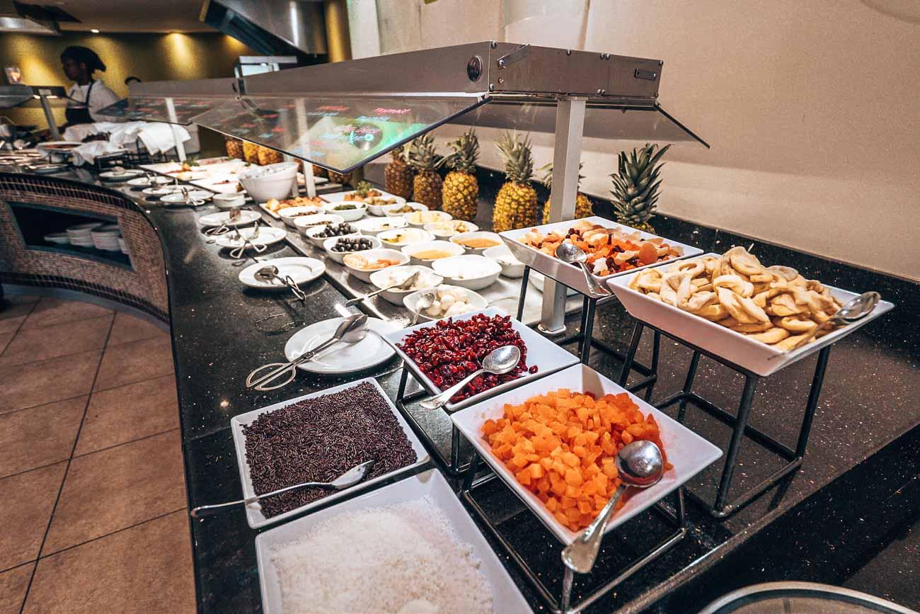 Dining at Barcelo Aruba