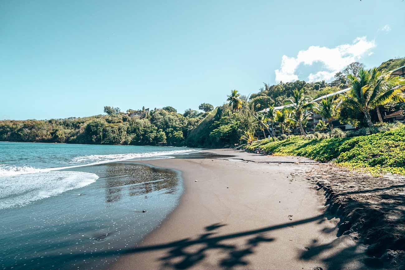 beach at tahiti pearl