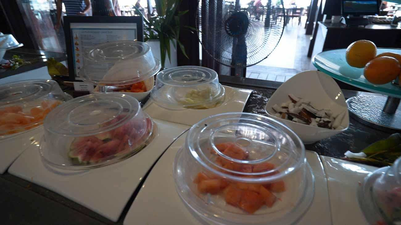 dining at sofitel moorea