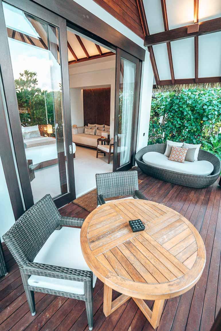 Heritance Aarah Beach Villa
