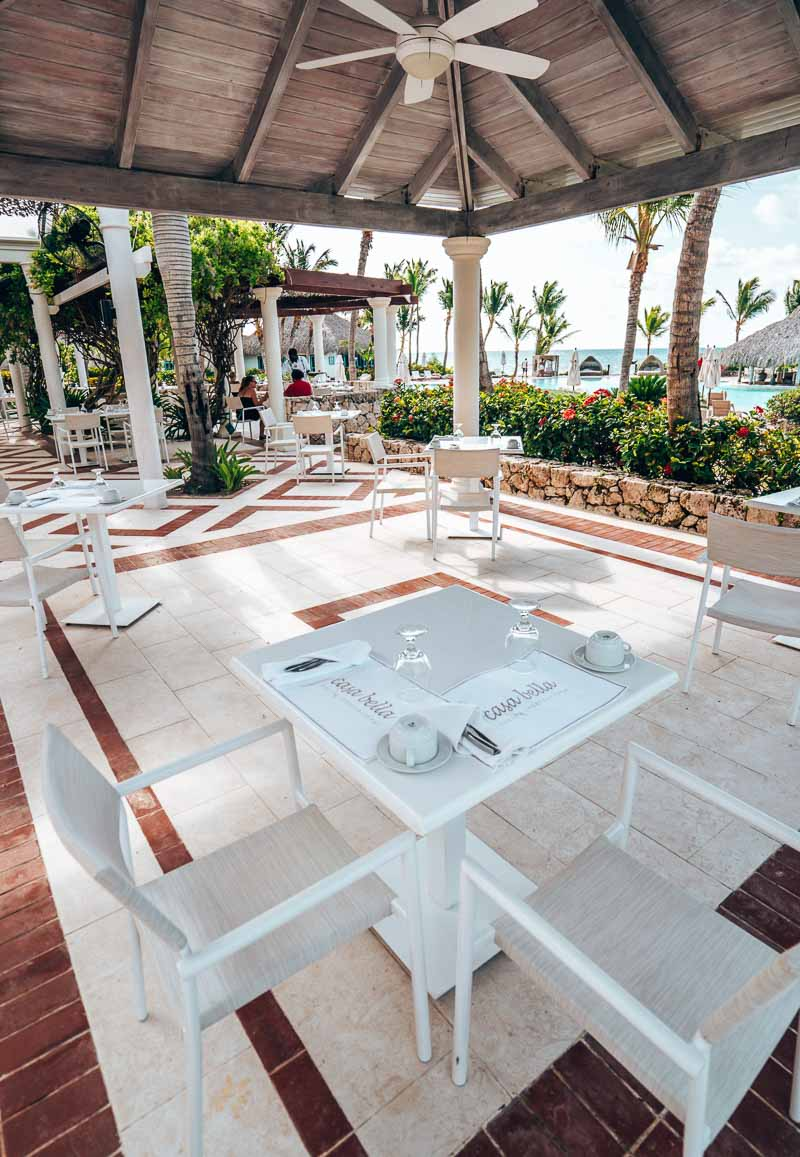 dining for two at outdoor restaurant