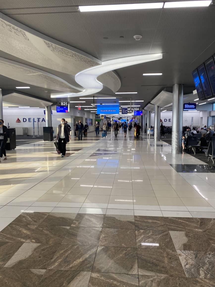 airport terminal atlanta airport
