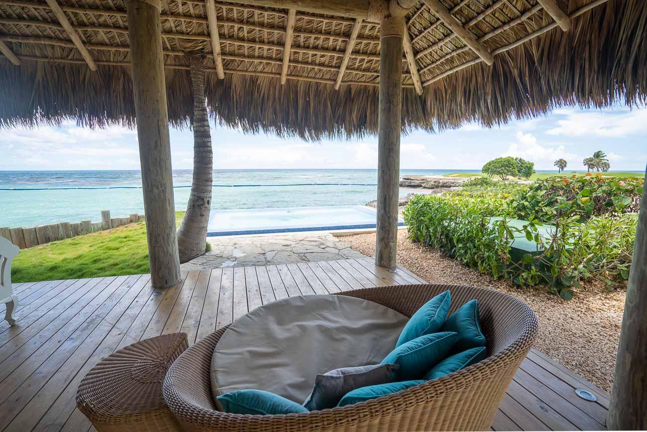 beachfront bungalow lounge