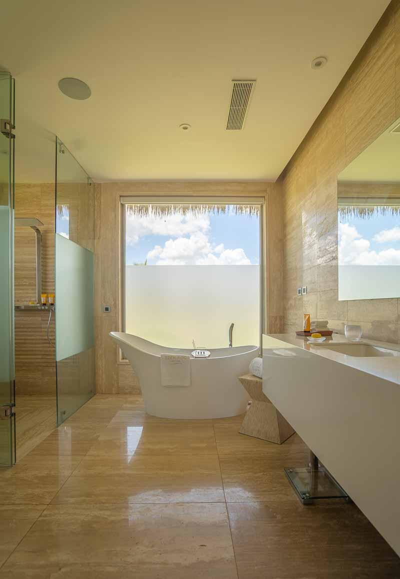 modern bath luxury