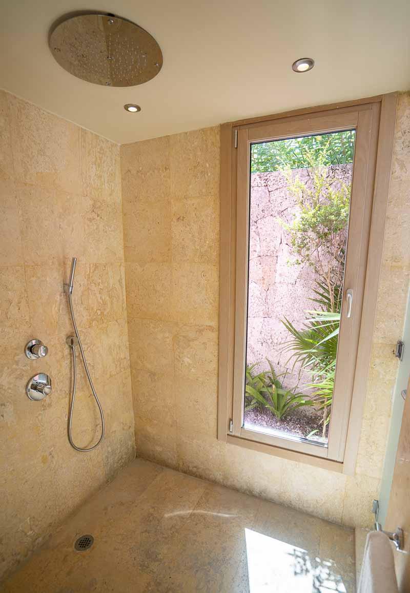 rainshower in large bathroom