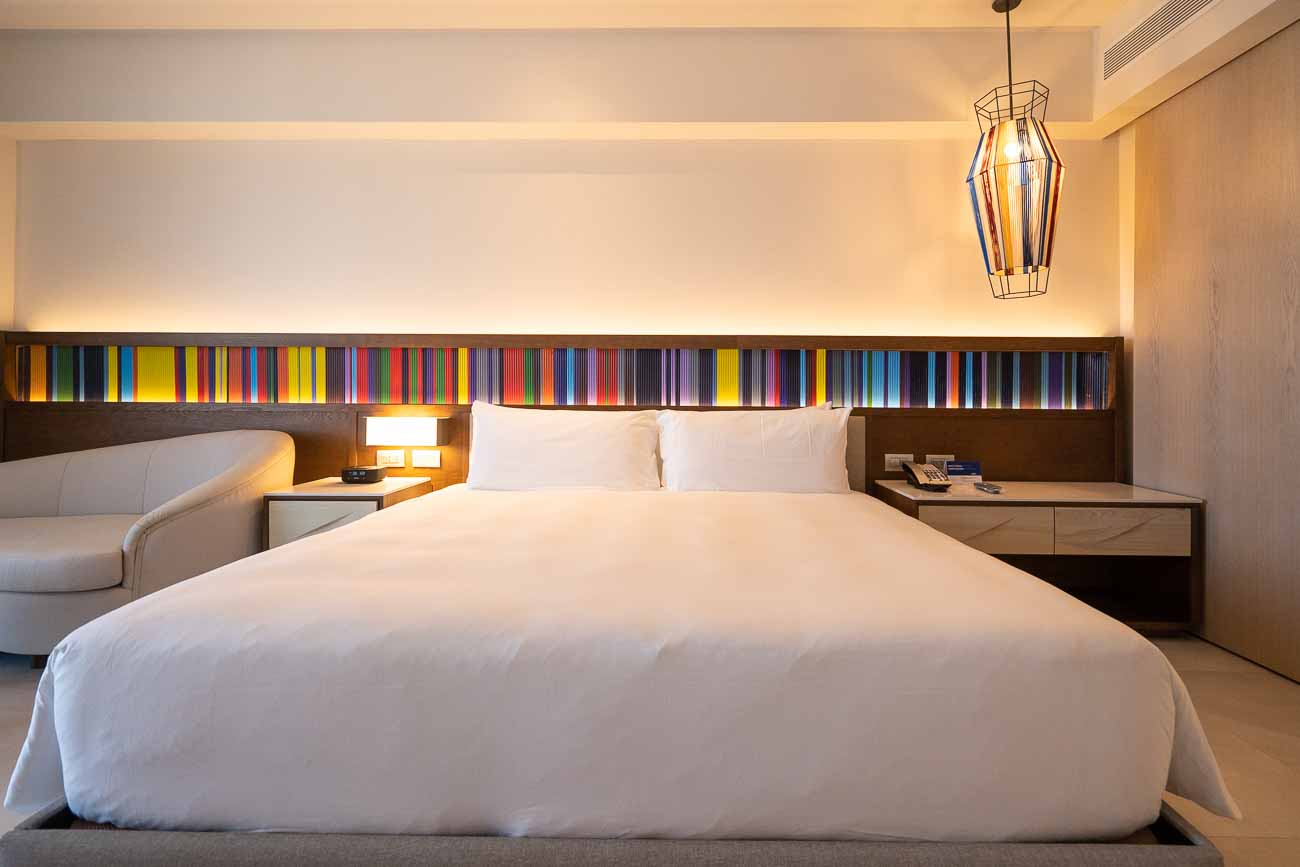 king bed hotel