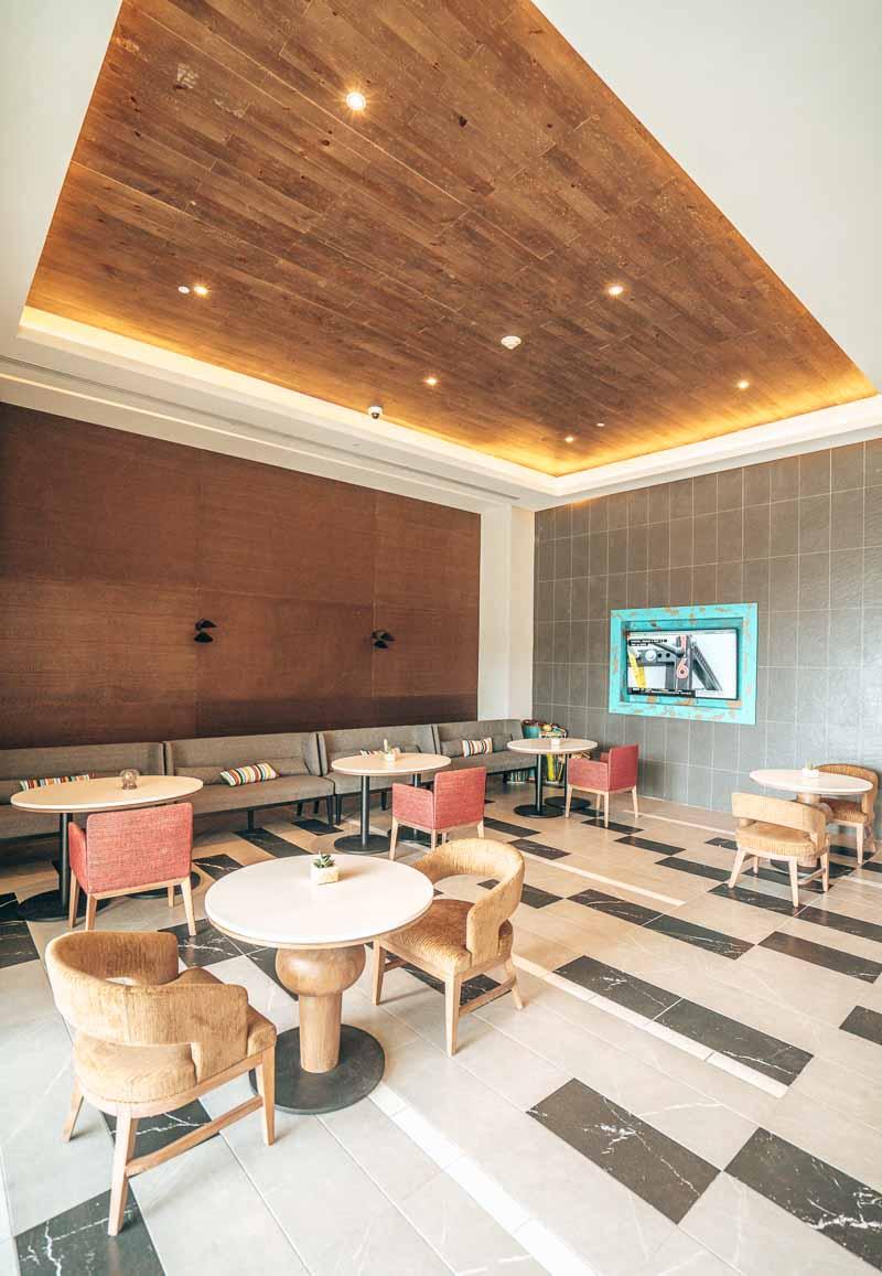 club lounge hotel