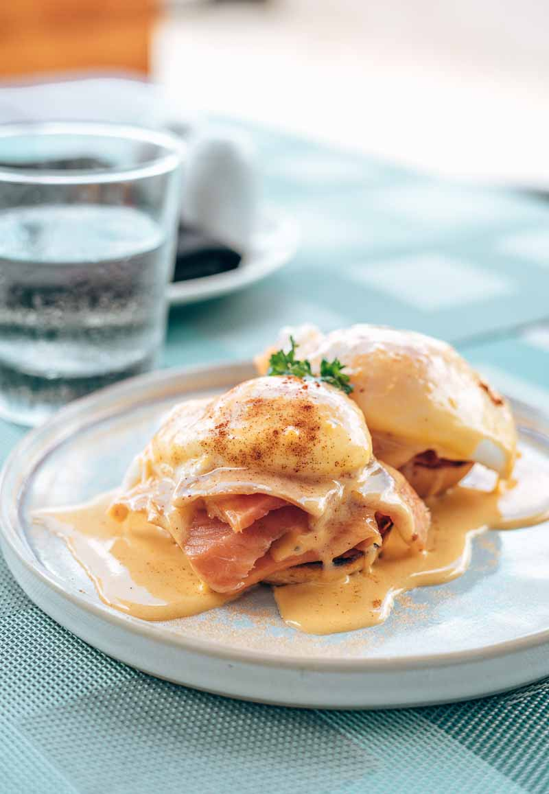 eggs benedict dining JW Marriott Santo Domingo