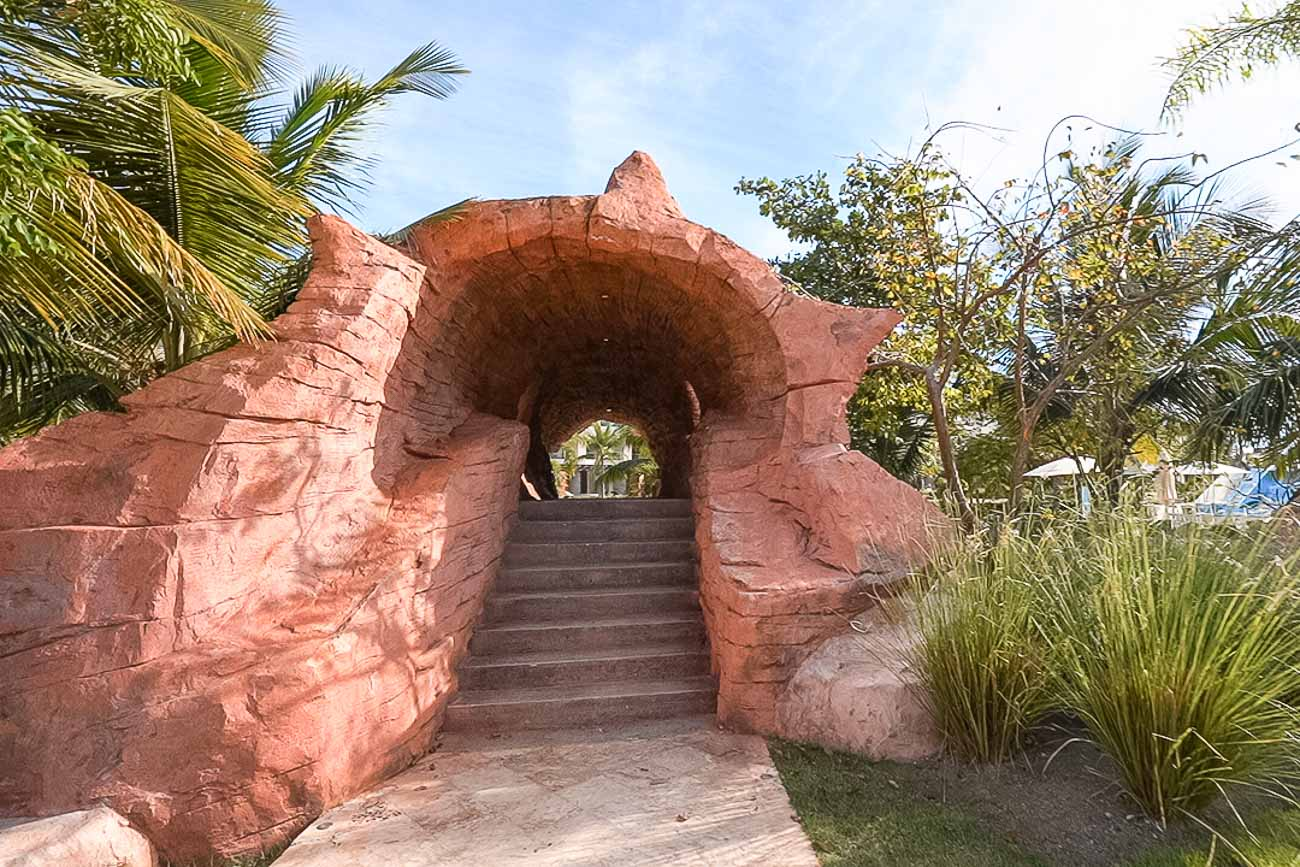 tunnel at fun waterpark