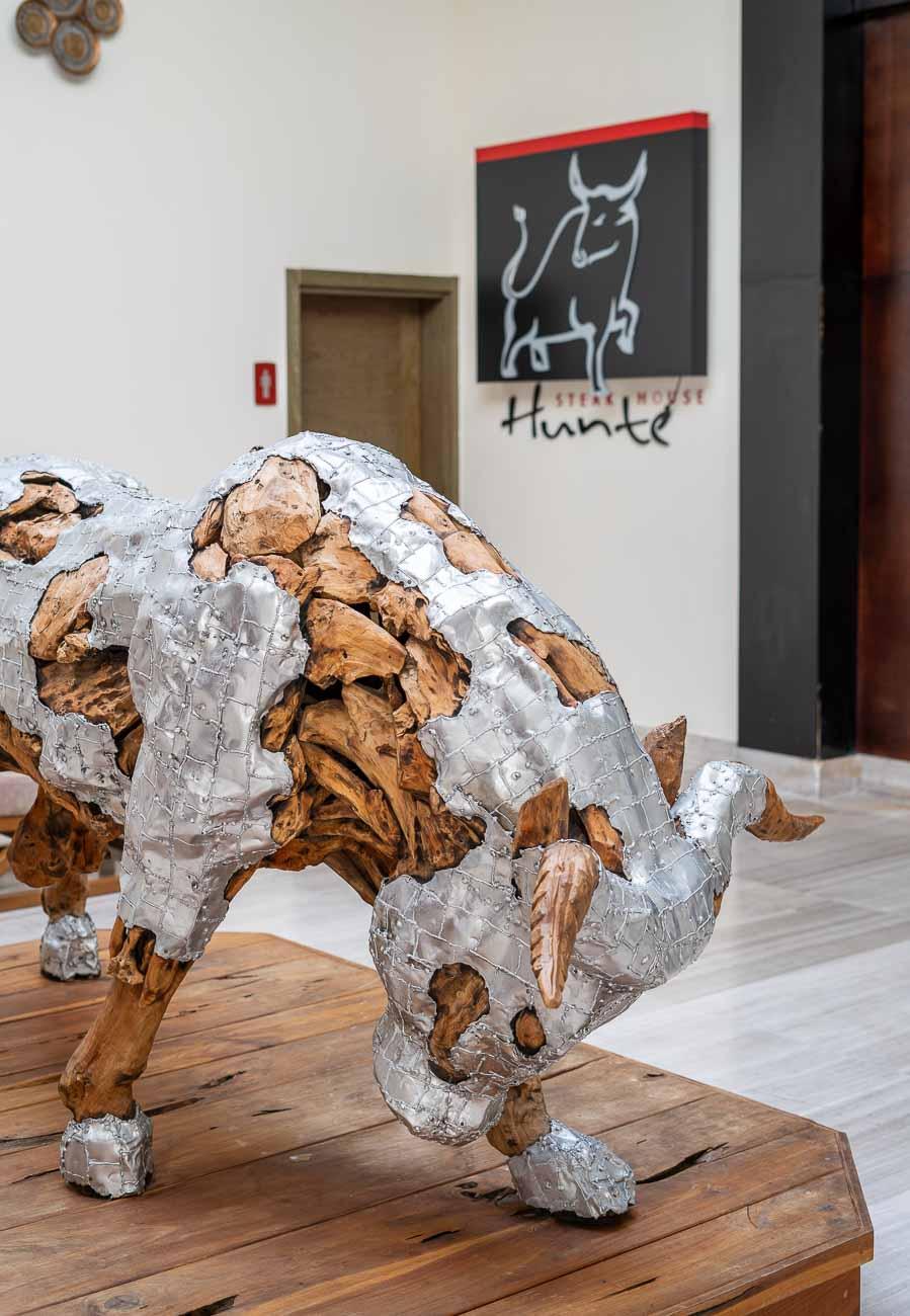Hunter steakhouse art