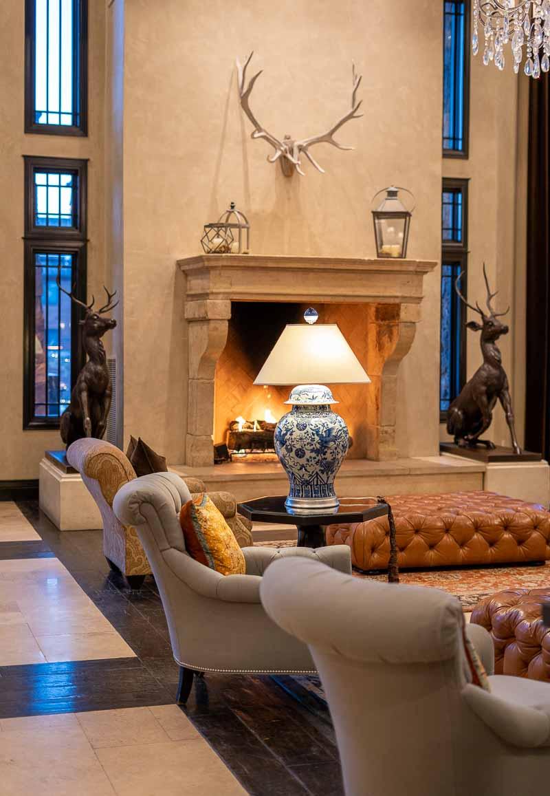 Waldorf Park City Lobby