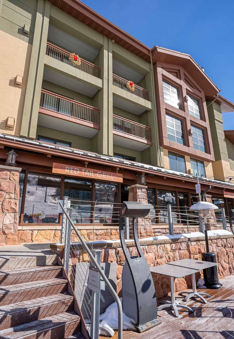 outdoor dining grand summit park city